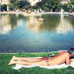 Faut-il se mettre en maillot de bain dans les parcs parisiens ?