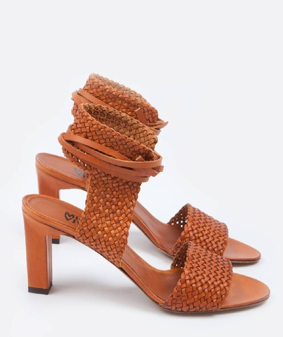 http://www.centrecommercial.cc/fr/product/femme/nouveautes/mvnatte,olmo,sandales+natte.html