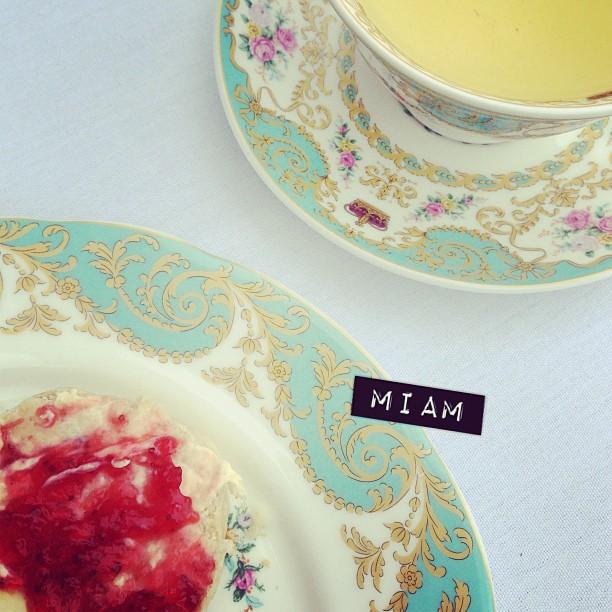 Renouer avec ses vieilles habitudes. #scones #tealover #london #orangery