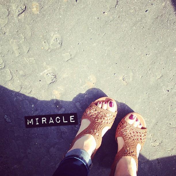 Quand tout à coup, le miracle. #nuspieds #soleil #paris