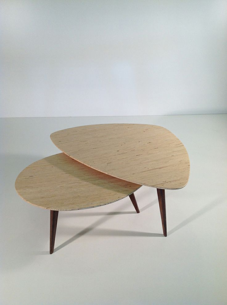 Le cas pineux de la table basse deedee for Table de salon petite taille