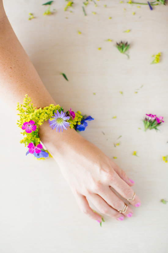 fresh-flower-bracelet-diy-and-donuts-2