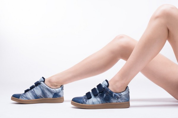 sneakers-run-jerome-dreyfuss-women-shoes-tie-dye-bleu-lambskin-porte-ss15-2