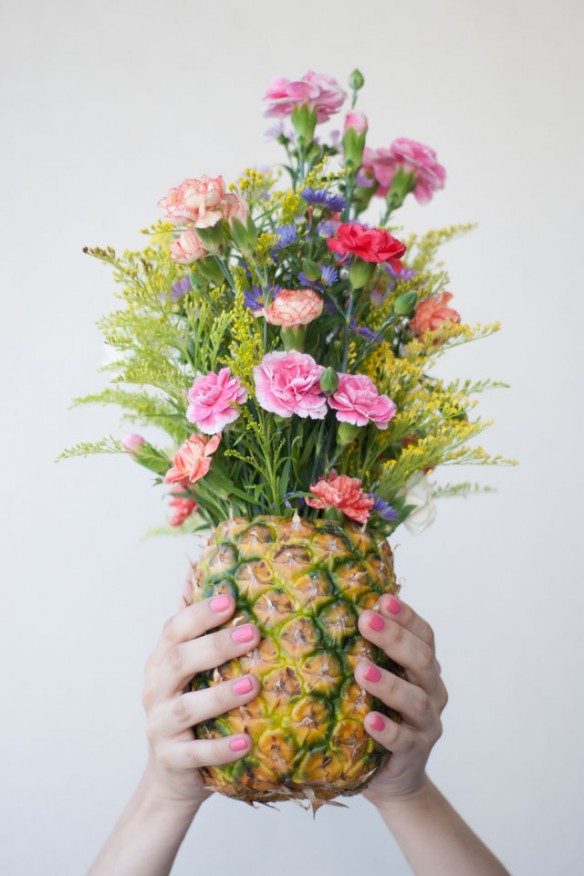 DIY_Floral_Pineapple_Centerpiece-584x876