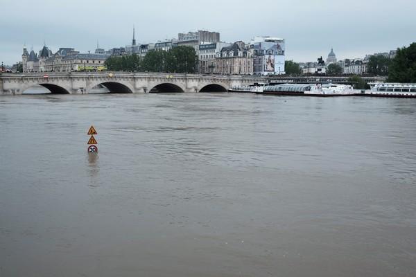 Crue-de-la-Seine-2016-12