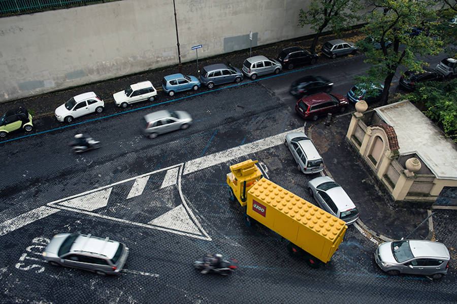 surrealist-scenes-with-lego-vehicles-in-the-streets-4-900x600