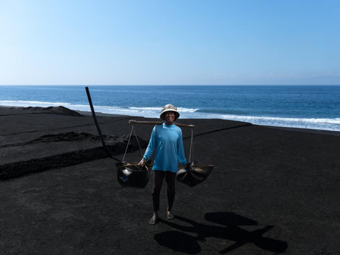 2016+08+28+-+Salt+Farmer+-+Kaping_0002.tif